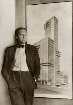 1919 - Walter Gropius creates bauhaus, the beginnig of modern architecture.