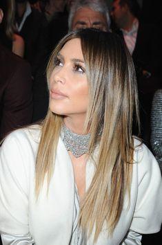 Kardashian style – My hair and beauty Kardashian Beauty, Kim Kardashian Hair, Kardashian Photos, Kardashian Style, Kim K Blonde, Blonde Hair, Stephane Rolland, Curly Bob Hairstyles, Pretty Hairstyles