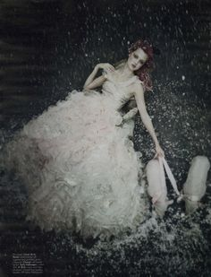 Model: Lindsey Wixson | Photographer: Paolo Roversi
