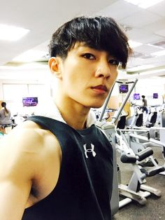 "I Wouldn't mind if I found me so handsome at the gym. LOVE YOU AARON YAN! ""SO HOT!"""