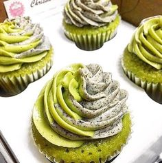 Luscious Matcha Cupcakes topped with creamy rich Matcha Swirled Black Sesame Frosting bring the whole new twist of flavours to your favourite Matcha Cupcakes.