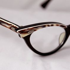 421a716538 1950 s 1960 s Vintage Brown Cat Eye Glasses Frames by suzytodd
