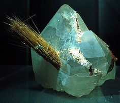 These are pictures of different types of crystals of elements, minerals, and compounds. Some crystals can be grown, while others are found in nature. Minerals And Gemstones, Crystals Minerals, Rocks And Minerals, Types Of Crystals, Stones And Crystals, Gemstone List, Rock Collection, Mineral Stone, Rocks And Gems