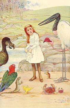 Ilustrações de Alice no País das Maravilhas continuam sendo produzidas. A história tem mais de 150 anos e é referência universal com adaptações e filmes.