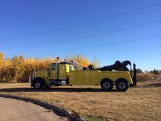 Peterbilt with Miller Industries 9055 Wrecker
