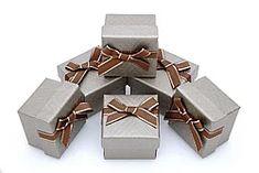 """Подарочные коробки оптом 5/5/3,5 """"Boxshop - оптовый интернет-магазин"""" - Страница 3 Gift Wrapping, Candy, Chocolate, Gifts, Paper Wrapping, Sweet, Toffee, Wrapping Gifts, Sweets"""