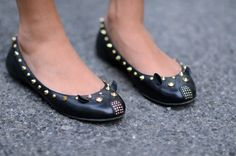Marc+by+Marc+Jacobs+mouse+flats+studded+black+mouse+ballet+shoes+Chiara+Ferragni+The+Blonde+Salad+photography.jpg (700×464)