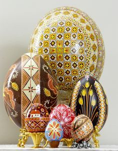 Pysanky, a spectacular way to paint Easter eggs
