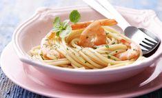 Shrimp n pasta Garlic Pasta, Shrimp Dishes, Linguine, Spirulina, Seafood, Spaghetti, Good Food, Meals, Cooking