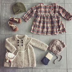 🍂Zara & hjemmestrikk | Zara & knits 🍂  Og nei, dere blir ikke kvitt den kåpa så lett🙈  #kjappflettelue #paelas #zaraofficial #zaraaddict #turbanlue #pickles #strikketkåpe #houseofyarn_norway #knitting_inspiration #strikkemamma #angulus_official