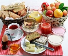 Healthy diet is a must after every stomach reduction method - Healthy Recipes! Breakfast On The Go, Best Breakfast, Morning Breakfast, Morning Bed, Irish Breakfast, National Nutrition Month, Carb Cycling Diet, Brunch, Continental Breakfast