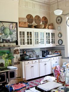 classic country kitchen. beautiful molding.