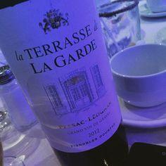 Service aux tables #vin #rouge excellent #Bordeaux #pessacleognan #gastronomie #tchin ! A +