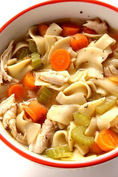 easy comfort food Chicken Noodle Soup Recipe - the ultimate comfort food that never fails. Quick and easy chicken noodle soup to beat the cold or just satisfy the craving. Quick Soup Recipes, Noodle Recipes, Quick Easy Meals, Healthy Recipes, Dinner Recipes, Delicious Recipes, Homemade Chicken Soup, Chicken Soup Recipes, Easy Chicken Noodle Soup
