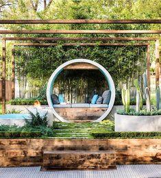 """10.9 mil curtidas, 47 comentários - ARQUITETURA E DESIGN ✨ (@decorcriative) no Instagram: """"O famoso jardim de Alisson Douglas, onde a autora utilizou enormes manilhas de concreto para criar…"""""""