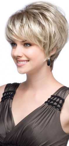 Chic Beautiful Short Layered Ideas For Women Hairstyle Trend 2019 moodestocom/… - Thin Hair Cuts Short Grey Hair, Short Hair With Layers, Layered Hair, Short Layer Cut, Thin Hair Cuts, Short Hair Cuts For Women, Short Cuts, Short Shag Hairstyles, Short Hairstyles For Women