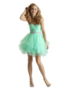 Beautiful mint dress by Clarisse. Reminds me a little my prom dress