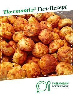 Pizza balls from Marmäladnamerla. A Thermomix ®️️ recipe from the baking category is hearty on www.de, the Thermomix ®️️ community. Pizza balls will-mixen.de willmixende Herzhafte Snacks aus dem Thermomix® Pizza balls from Marmäladnamerl Pizza Ball, Pizza Hut, Kids Pizza, Dough Pizza, Flatbread Pizza, Seafood Recipes, Mexican Food Recipes, Snack Recipes, Ethnic Recipes