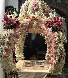 Memorable Good Friday🌼🌸🌼We have to remember. Orthodox Easter, Greek Easter, Under The Lights, Good Friday, Ephemera, How To Memorize Things, Floral Wreath, Faith, Bright