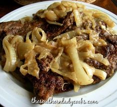 Beef liver smothered in onions is a favorite at my house. I grew up on liver and it's something you either love or you don't but my family always Fried Chicken Livers, Crispy Baked Chicken, Chicken Fried Steak, Baked Chicken Breast, Chicken Breasts, Onion Recipes, Cabbage Recipes, Beef Recipes, Cooking Recipes