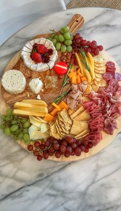 Charcuterie Recipes, Charcuterie Board, Picnic Date, Party Trays, Canapes, Tapas, Catering, Food Porn, Brunch