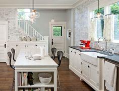 White kitchen love.
