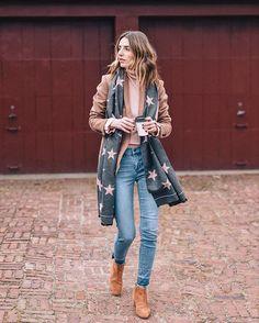 760082bd1 Styling the classic wool blazer via @jessannkirby Stylish Winter Outfits,  Winter Fashion Outfits,