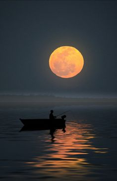 Fishing for the Moon by Carlos Gotay / (no location given) Amazing Photography, Nature Photography, Oil Painting Pictures, Water Ripples, Cute Love Pictures, Boat Painting, Nature Aesthetic, Beautiful Moon, Amazing Pics