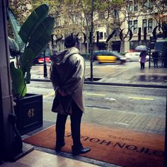It's raining in Barcelona today☔️, but we are always ready to welcome you  #bellboy #rain #hotel #barcelona #love #cottonhousehotel #instamood #rainyday #autographcollection #marriott #exacltylikenothingelse