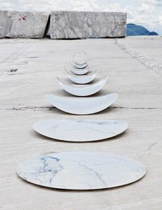 Miracle Chips by Michael Anastassiades at Design Days Dubai Dubai, Modern Sculpture, Sculpture Art, Marble Furniture, Furniture Design, Copper And Marble, Land Art, Oeuvre D'art, Installation Art