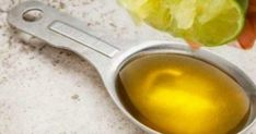 If you have been waking up exhausted frequently, we have a solution – a natural mixture of olive oil and lime will detox your body and flush out harmful toxins from your system. Olives, Home Remedies, Natural Remedies, Health Remedies, Detox Your Body, Lemon Water, Natural Medicine, Health Problems, Thyroid Problems