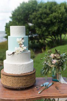 Chic Coastal Wedding // Photography ~ Caroline & Evan Photography