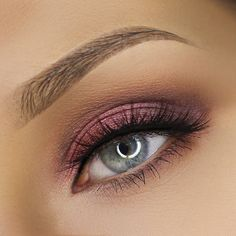 "Melrae Segal: ""Today's Cranberry Eyes using @zoevacosmetics Cocoa Blend Palette"