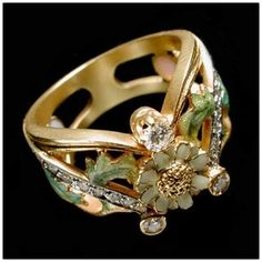 Luis Masriera (1872-1958) -  Enamel and Diamond Flower Ring.