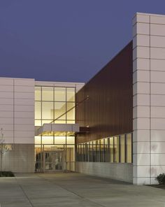 Gallery - Waubonsee Community College Plano Classroom Building / Holabird & Root - 12