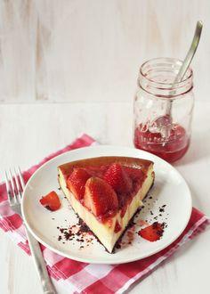 Best strawberry cheesecake recipe!! www.abeautifulmess.com