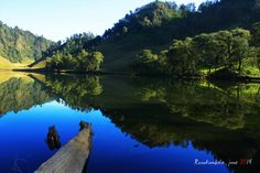 #Ranukumbolo #Lake - Semeru Mountain Cool Pictures, Places To Go, National Parks, Scenery, Mountains, Nature, Photography, Travel, Fotografie
