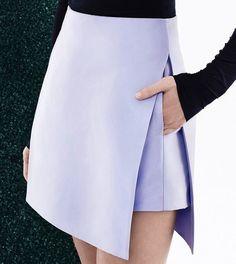 В меру усложненные конструкции в одежде – это всегда интересно! Особенно если силуэт уходит корнями в традиции предков