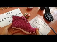 YouTube Crochet Sandals, Crochet Shoes, Flip Flop Sandals, Shoes Sandals, Dress Shoes, Doll Patterns, Crochet Patterns, Huaraches, Oxford Shoes