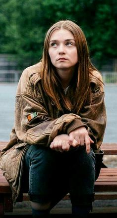 Jessica Barden from the end of the f*** world-love her natural look and her natural beauty, She looks so pure and her skin looks amazing The End, End Of The World, Netflix Series, Series Movies, People Annoy Me, James And Alyssa, Ing Words, Jessica Barden, World Wallpaper