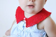 Lace knit peter pan collar for little girls--alternative to a drool bib! Fits sizes 12 months - 5 years