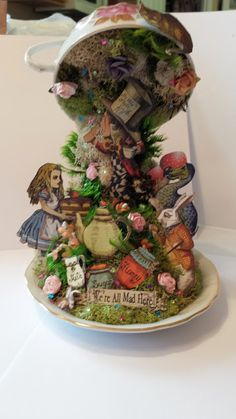Healthy, Happy Shannon: Alice Tea and Crafting Alice In Wonderland Crafts, Alice In Wonderland Vintage, Craft Tutorials, Craft Ideas, Off With Their Heads, Go Ask Alice, Dollhouses, Mixed Media Art, Diy Gifts