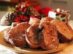 Apesar de ser uma receita típica de festas de final de ano, a rabanada pode ser saboreada em qualquer época e, esta receita, é maravilhosa. Vem ver! #comida #food #receitas #recipe #cybercook #cook #receitadenatal #christmasrecipe