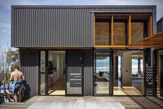 With the mercury settling in around the high end of the spectrum here in California, we've been perusing some great beach getaways in parts of the world that are probably a bit cooler right now. One stand-out is the offSET Shed House by IS Architects located in the Northern New Zealand town of Gisborne.Built to reflect the sets of south-facing coastal surf, each of the buildings is offset from the last, allowing for lots of shady space that can easily be closed off when the winter rolls…