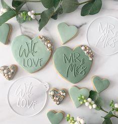 Wedding Shower Cookies, Cookie Wedding Favors, Wedding Desserts, Decorated Wedding Cookies, Cookie Favors, Fancy Cookies, Iced Cookies, Sugar Cookies, Engagement Cookies