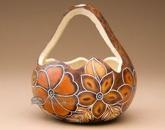 Indian style 34902965845994366 - Hand Carved Natural Gourd Basket -Andean Indian Source by missiondelrey Decorative Gourds, Hand Painted Gourds, Decorative Pillows, Gourds Birdhouse, Home Decor Baskets, Southwest Decor, Indian Home Decor, Gourd Art, Nature Crafts