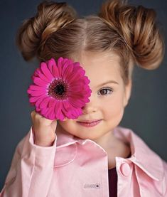 16 Can't-Miss Candid Photo Opps for Your Kids - Love is Love Cute Little Baby, Cute Baby Girl, Cute Babies, Little Girl Photography, Toddler Photography, Cute Baby Pictures, Baby Photos, Kid Pictures, Little Girl Photos