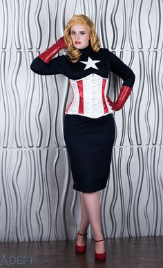 Saddle the Hippogriffs Cosplay looks gorgeous cosplaying as her pinup version of Captain America! We salute her! ♥