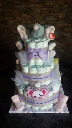 Gâteau de couches éléphant pour fille.
