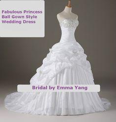 Fabulous Princess Ball Gown Style with Chapel por BridalbyEmmaYang